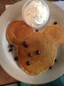 mickey-mouse-pancake
