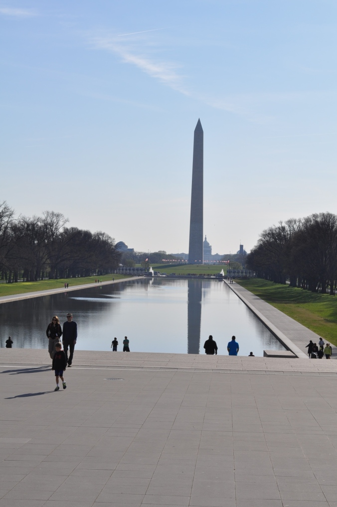 Washington_Monument_steps_of_Lincoln